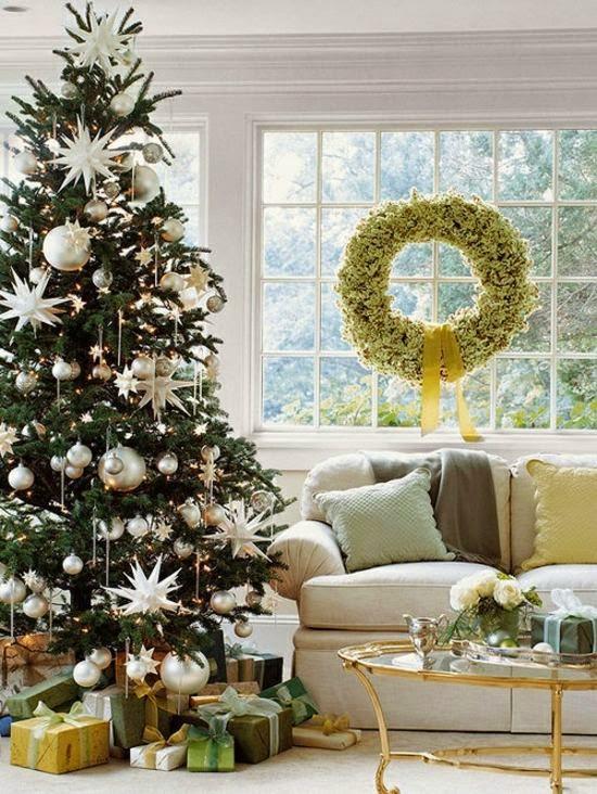 árbol navideño plateado