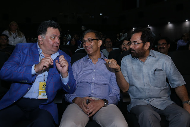Rishi Kapoor, Sanjay Gupt, Mukhtar Abbas Naqvi during the inauguration of 8th Jagran Film Festival in the National Capital (1)