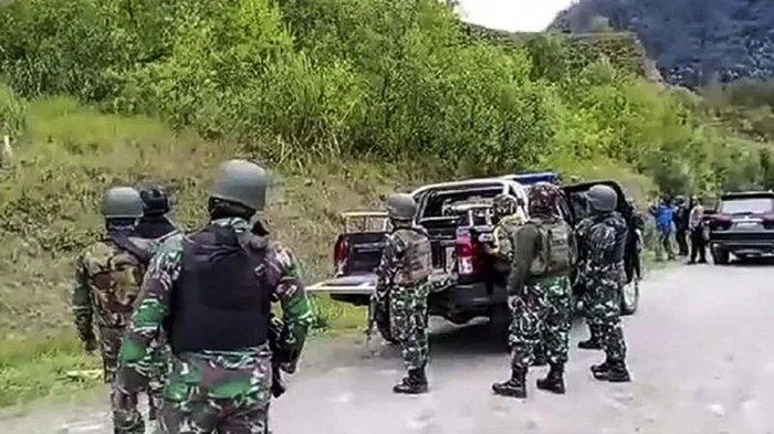 Kontak Tembak di Puncak, Aparat TNI-Polri Tembak 3 Teroris OPM, 1 Tewas