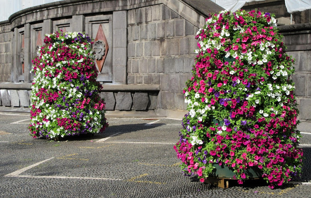 flowers in front of the Palace of Justice