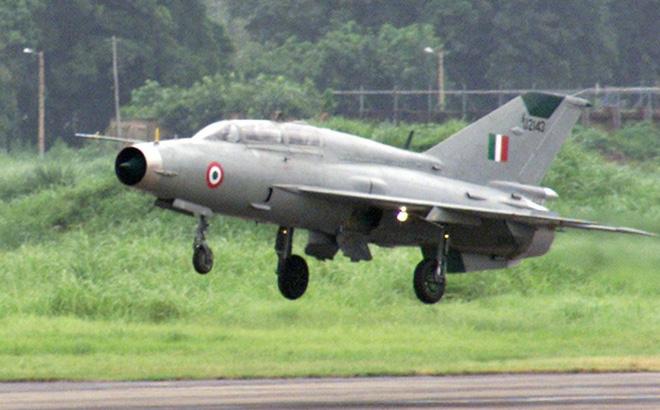 Vì sao Ấn Độ dùng tiêm kích MiG-21 hơn 30 năm tuổi đấu với Không quân Pakistan?