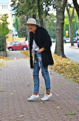 spodnie_z_naszywkami_blogerka_karyn_pulawy_futerko_czarne_2812163