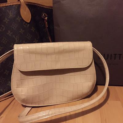 Vintage leather beige bag