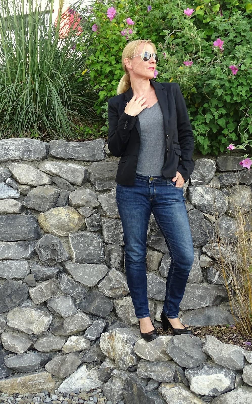 easy outfit mit schwarzem blazer und wie ich meine outfits zusammenstelle. Black Bedroom Furniture Sets. Home Design Ideas