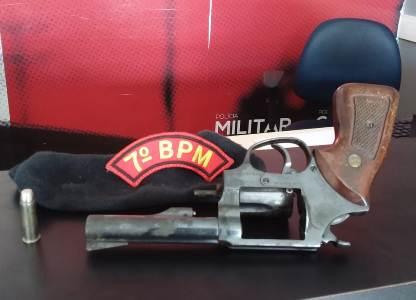 Policiais do Cisp de Batalha prendem  homem  por porte ilegal de arma de fogo na AL-220