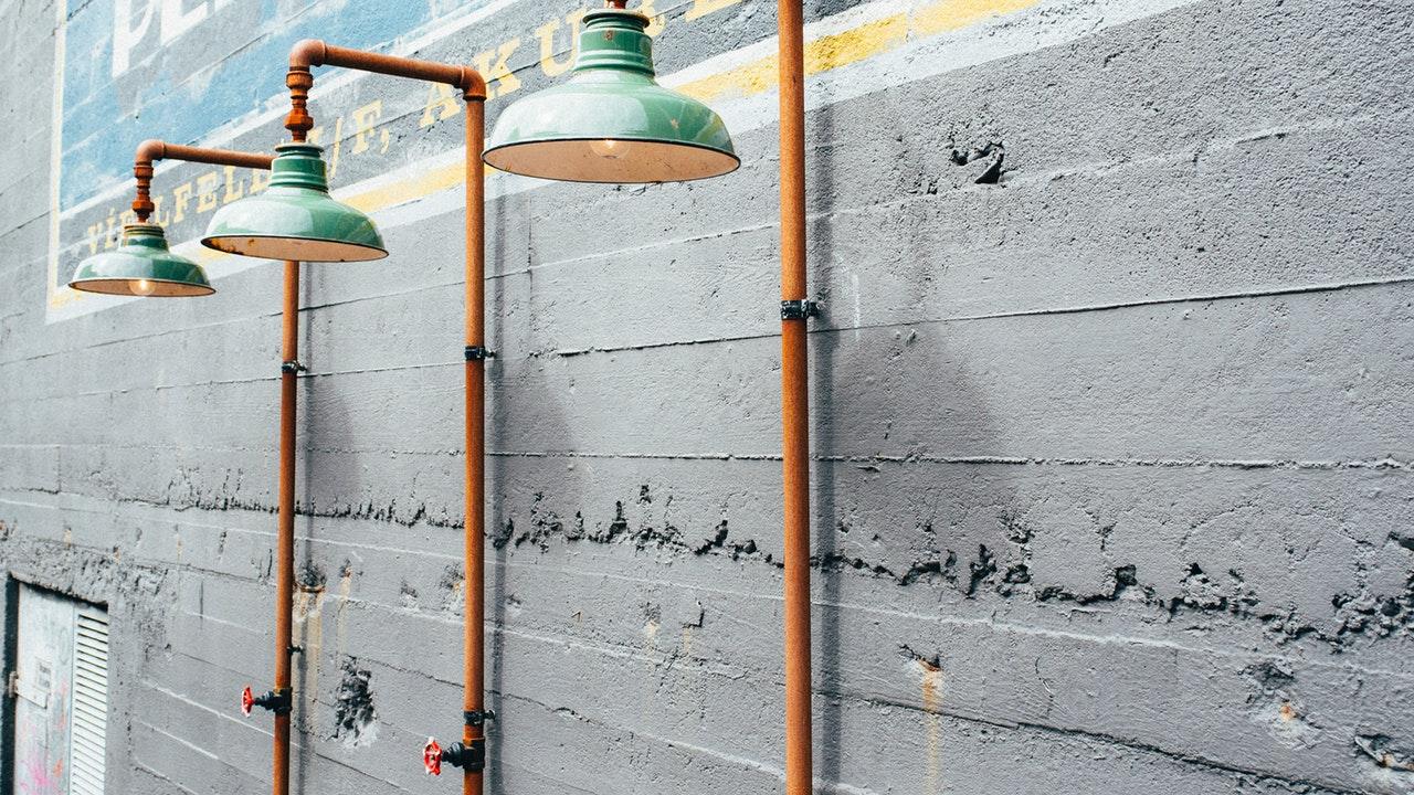Dentro de la decoración de interiores, así como en el mismo diseño arquitectónico, existe un gran número de técnicas y tendencias para crear diferentes ambientes en un espacio. Sin embargo, una de las más reconocidas hoy en día, ya sea por sus innovadores diseños o por la sustentabilidad que maneja, es la ikea iluminación arquitectónica.