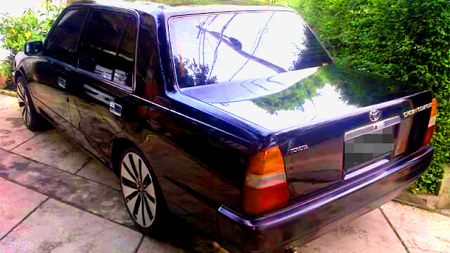 Toyota Crown Comfort XS10