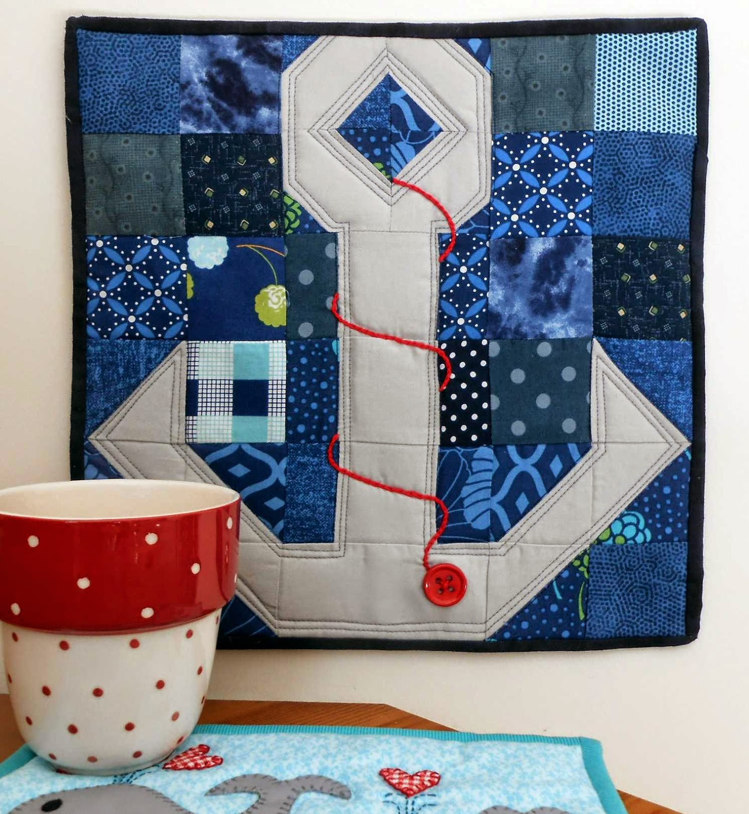 http://www.craftsy.com/project/view/drop-anchor-mini-quilt/216011