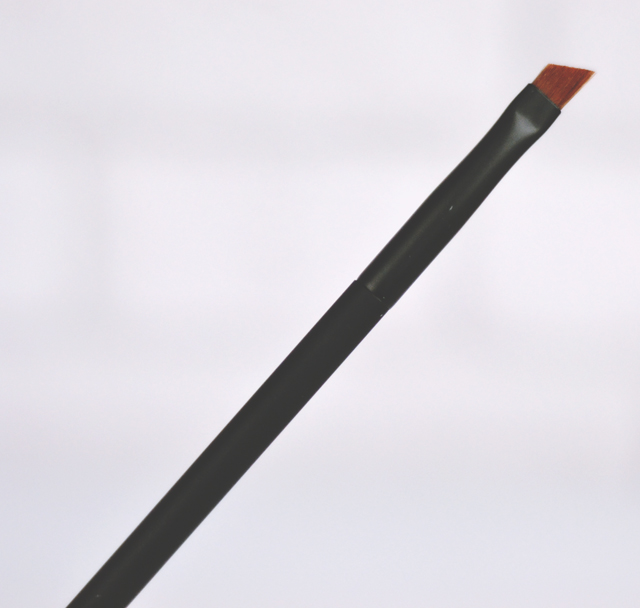 NARS #47 Angled Eyeliner Brush Review