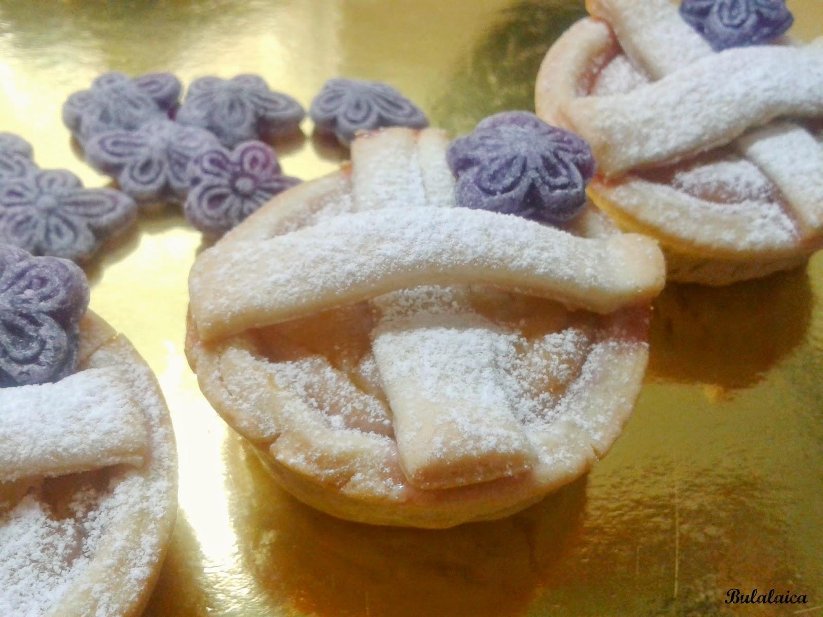 Tartaletas de crema pastelera con sirope de VIOLETAS