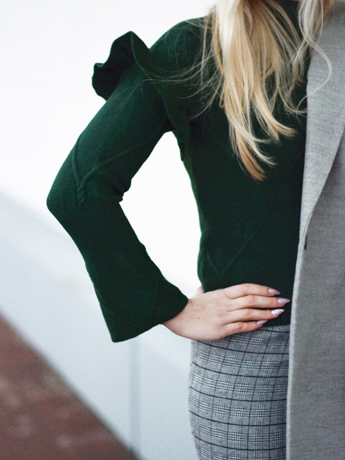 sweter falbany