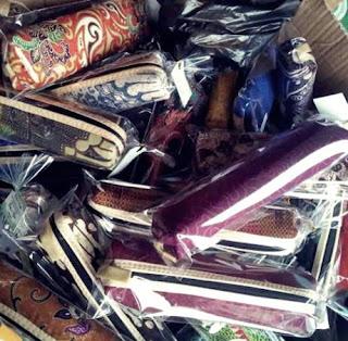 souvenir pernikahan kotak pensil batik