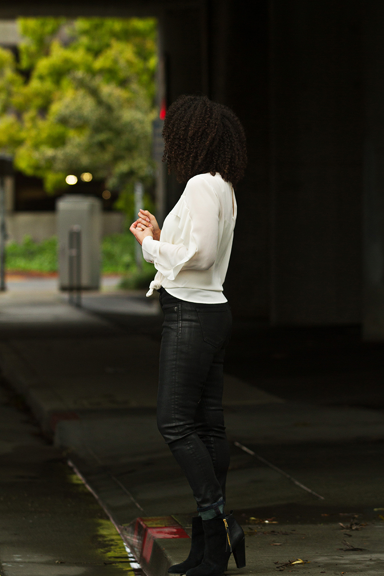 white Banana Republic chiffon blouse worn with black Spanx jeans