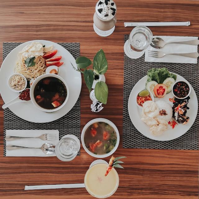 Lunch, Rawon Spaghetti dan Sop Iga Bakar