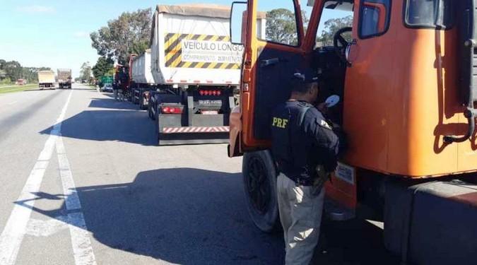PRF fiscaliza jornada de trabalho de motoristas profissionais no Rio Grande do Sul