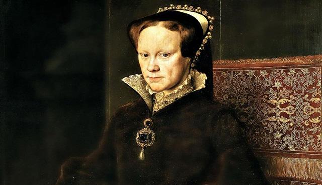Ratu Mary I dari Inggris membakar hidup - hidup 300 musuhnya