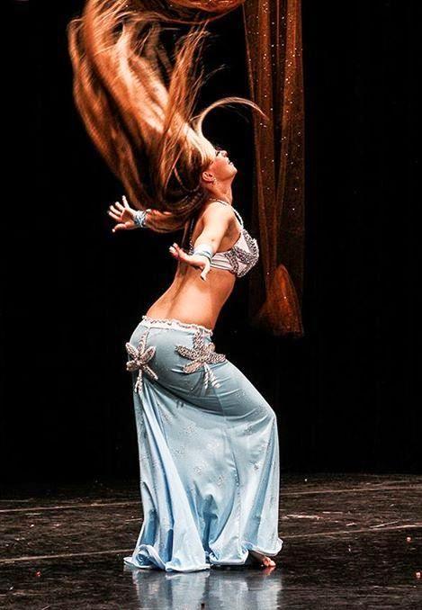 Parineeti chopra bollywood dance - 1 4