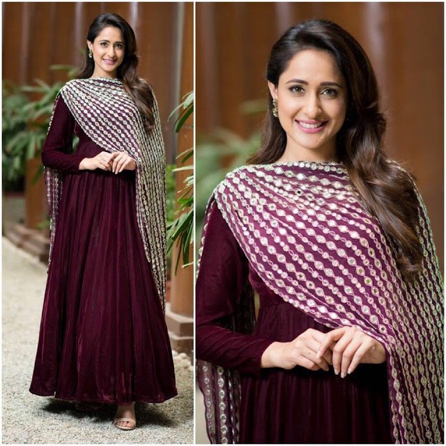 Pragya Jaiswal  IMAGES, GIF, ANIMATED GIF, WALLPAPER, STICKER FOR WHATSAPP & FACEBOOK