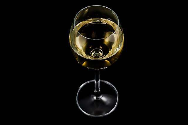 wino z rodzynek