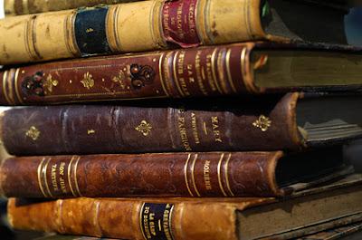 Dictionnaires ((C) Fotolia !