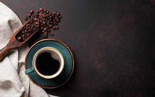 Καφές: πώς ο απλός και ο ντεκαφεϊνέ μπορούν να μας ωφελήσουν