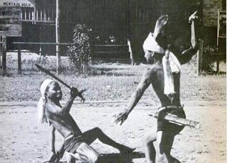 Kinyah Mandau... Suku Dayak
