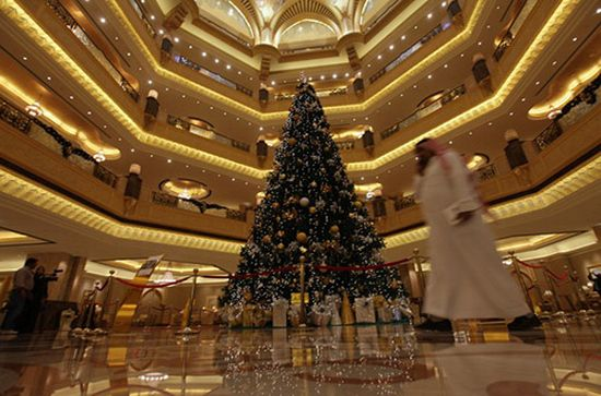 The Most Expensive In History Of Christmas Tree Was Installed A Luxury Hotel Emirates Palace Abu Dhabi 2010 Cost Is Not