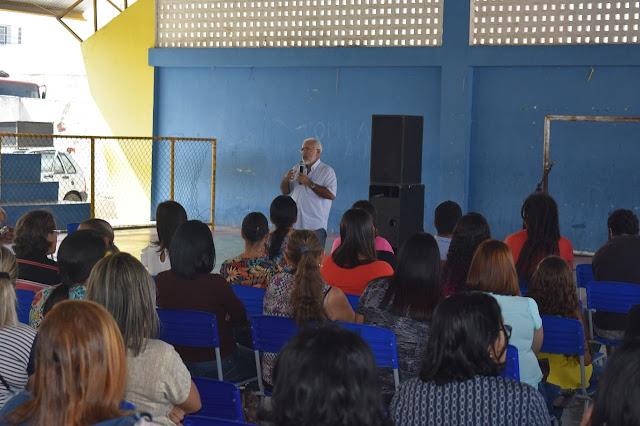 Padre Eraldo propõe reajueste de acordo com piso nacional aos servidores da Educação