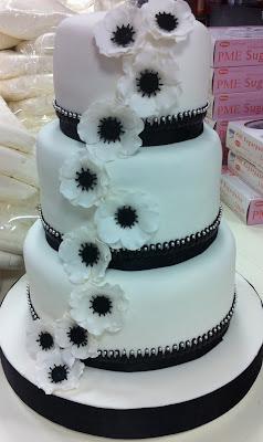tarta de boda con anemonas loleta linares blog mi boda gratis