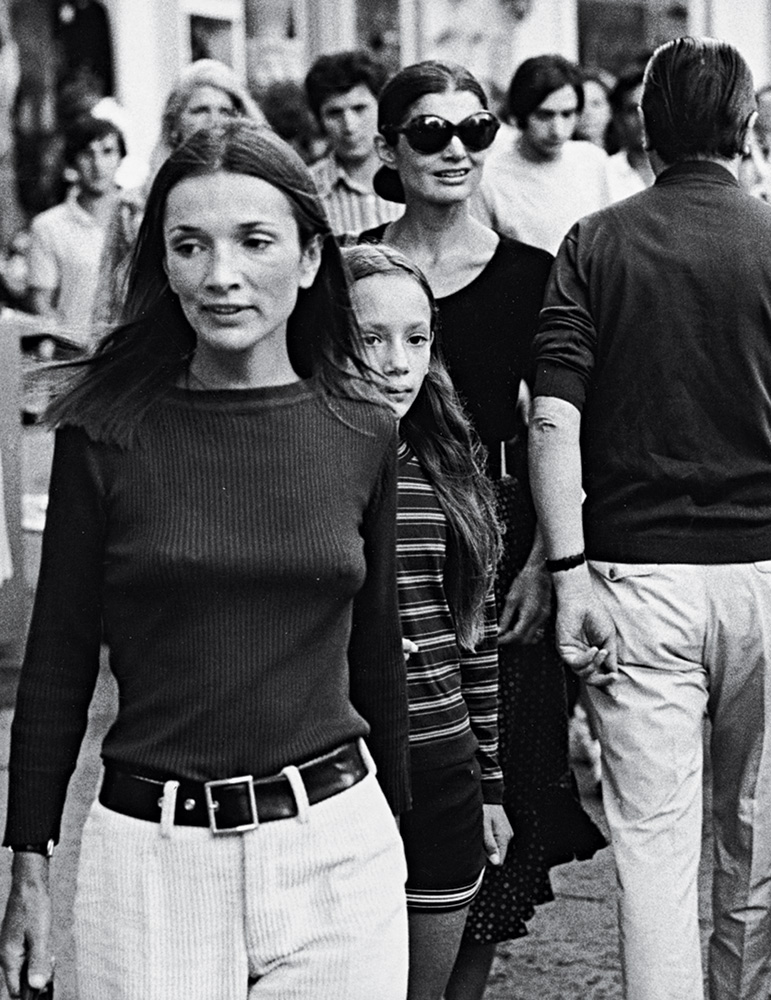 real life is elsewhere: the real lee radziwill