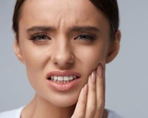 Penyebab dan Cara Pengobatan Gigi Berlubang dengan Mudah