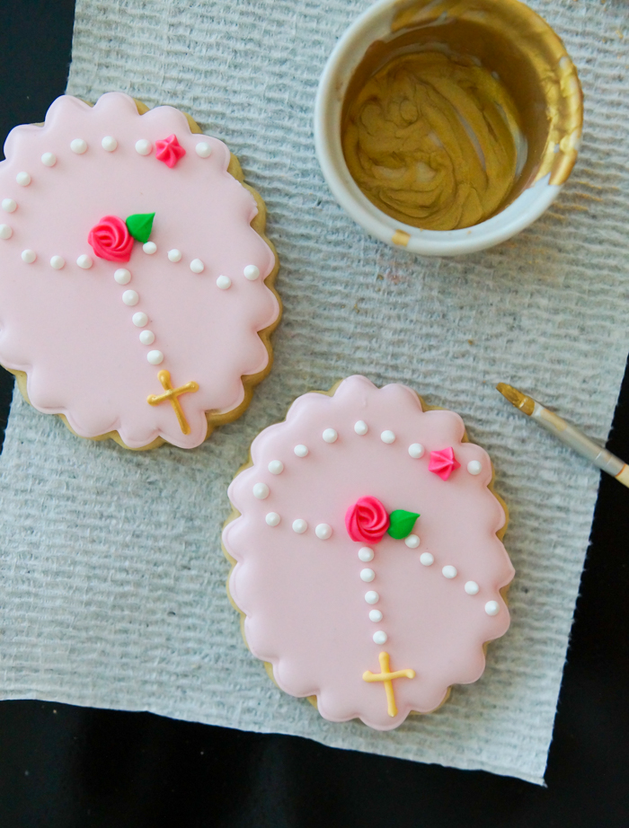 How to Make First Communion Cookies for a Girl, rosary cookies