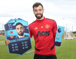 Fernandes names Premier League player of the month