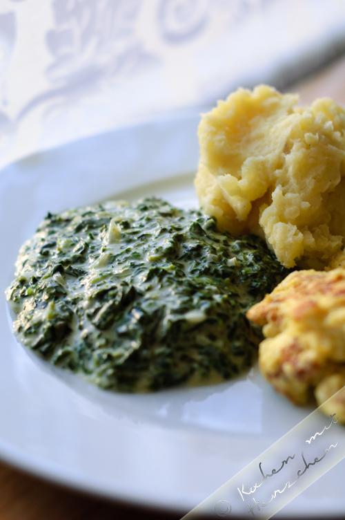 Rahmspinat (mit Blubb) mit Kartoffelstampf und Rühr-Ei