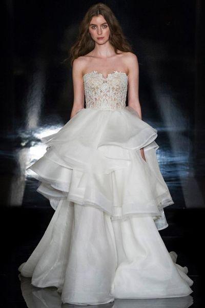 Grandiosos vestidos de novias | Colección Reem Acra
