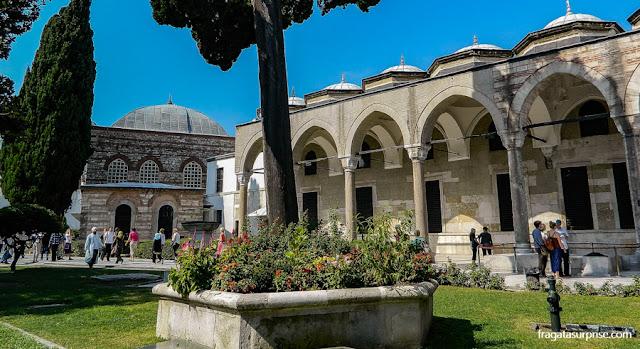 Pátio do Palácio de Topkapi, em Istambul
