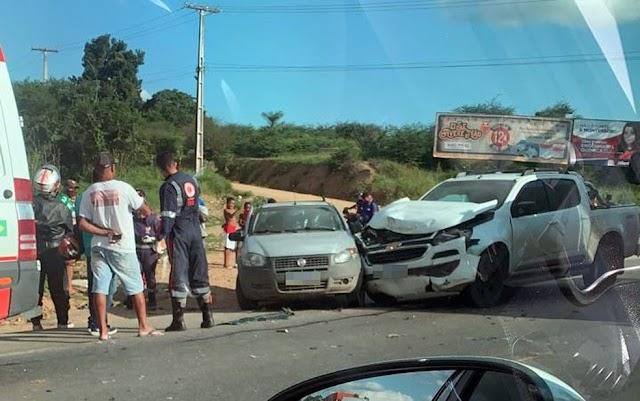 Homem morre após batida entre duas caminhonetes na BA-494, entrada de São José do Itaporã no Recôncavo Baiano
