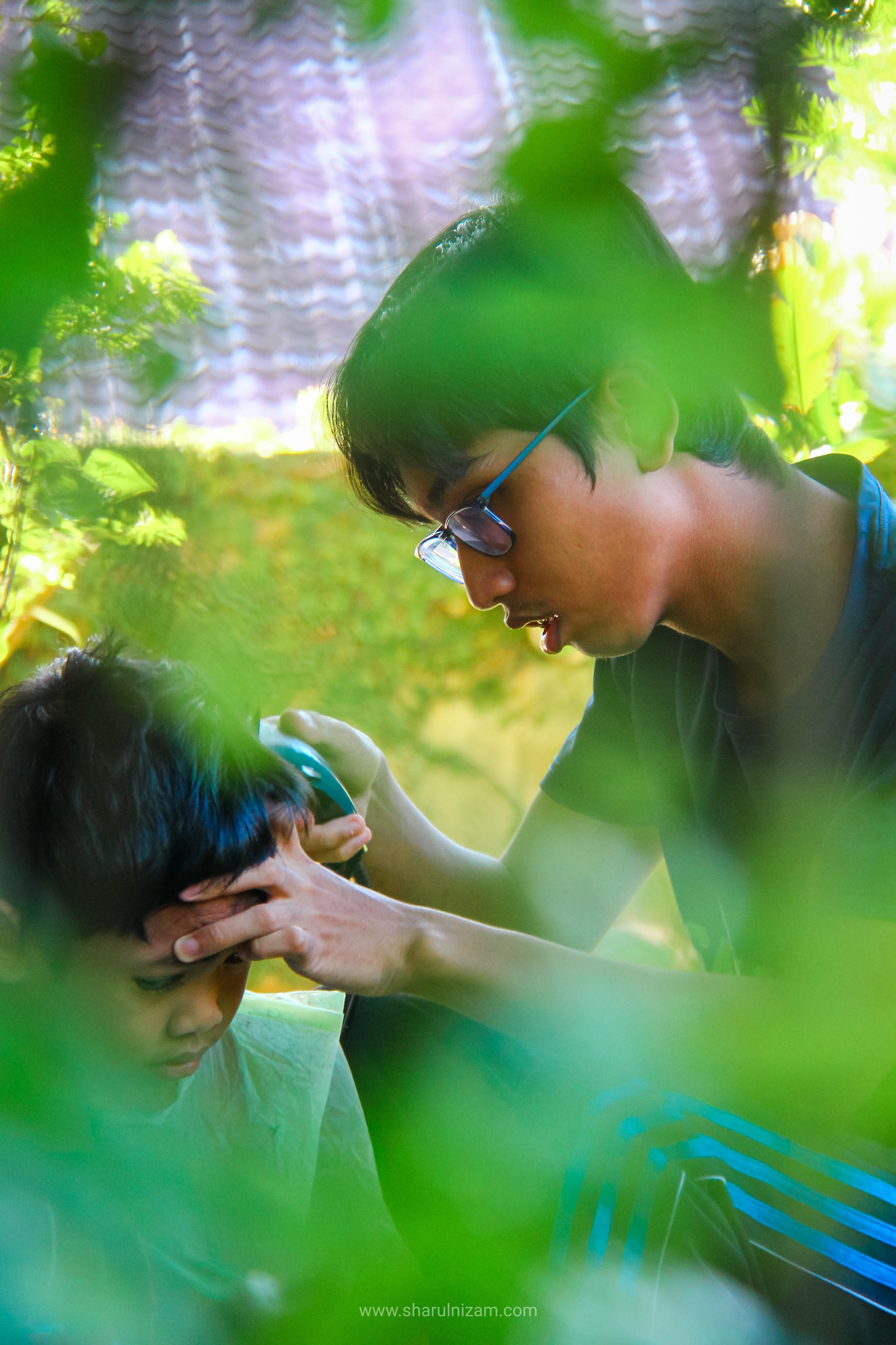Memotong Rambut Budak Lelaki DIY