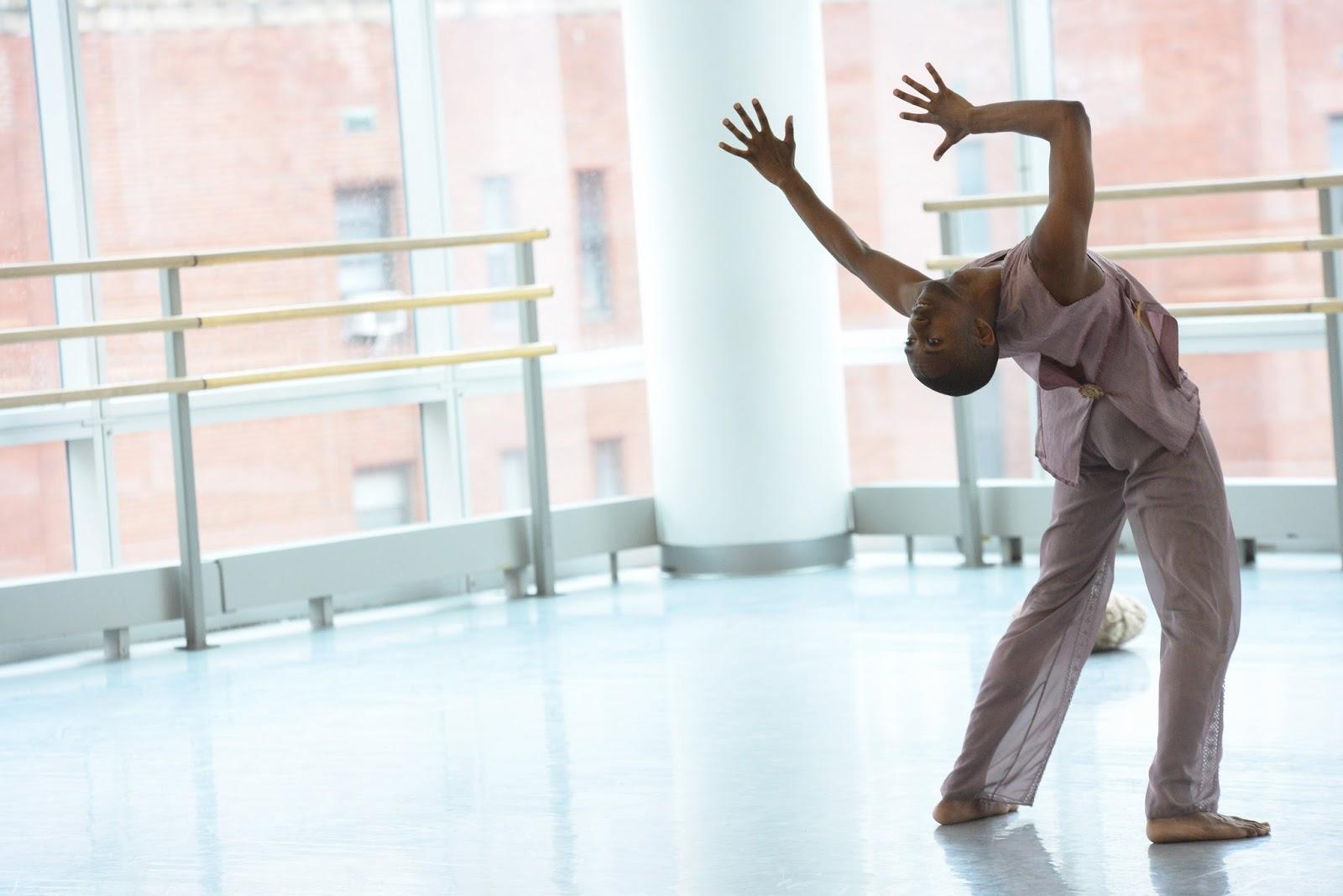 InfiniteBody: Dancemaker Amanda Selwyn: What makes us human
