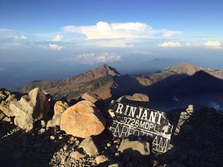Mt. Rinjani Trek 3 Days 2 Nights Summit via Sembalun