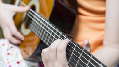 Belajar Bermain Musik