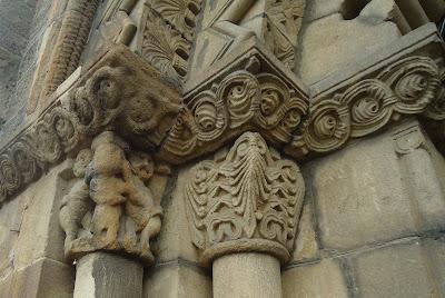 Capiteles IGLESIA DE SANTA EULALIA Camino del Salvador