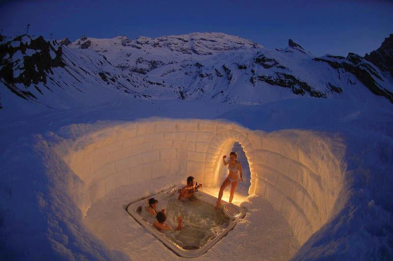 round outside hot tub on the Matterhorn | Most Beautiful Pages - Outdoor Jacuzzi