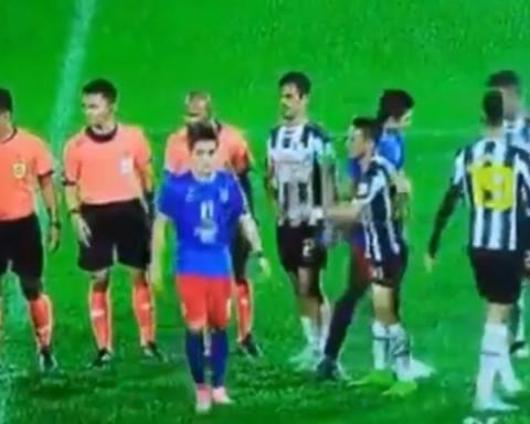 (VIDEO) Nazmi Tidak Bersalaman Dengan Pemain Pahang & Dikenakan Tindakan Amaran Keras!