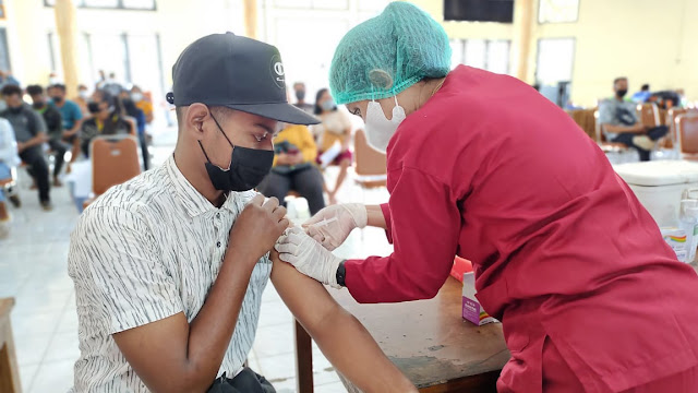 Nevile Muskita Sebut 116.904 Warga Merauke Sudah Terima Vaksin.lelemuku.com.jpg