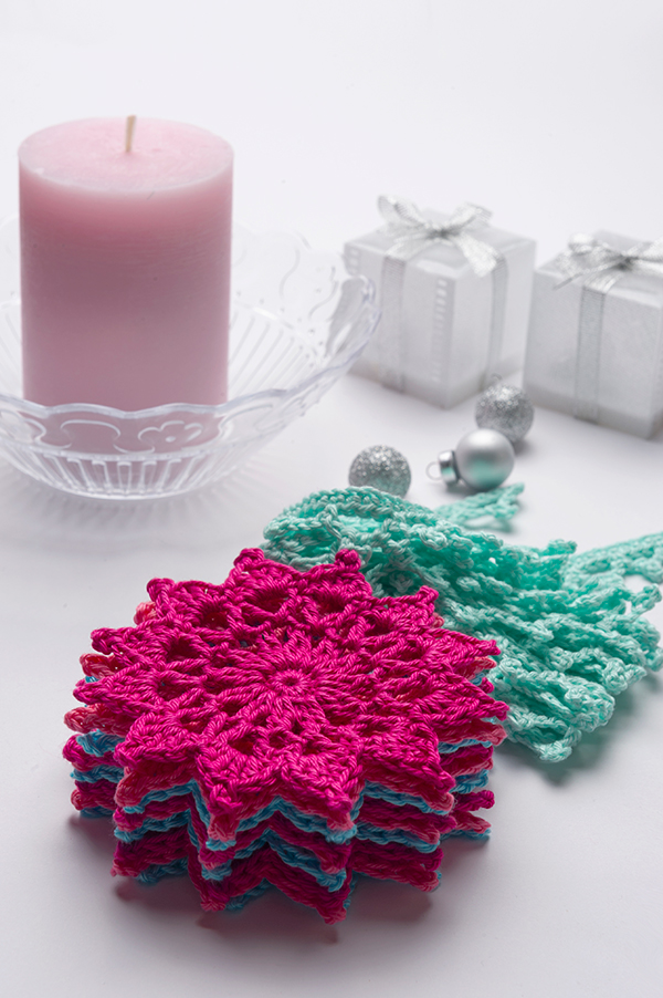 Crochet Stars Garland, Anabelia Craft Design free pattern for Anchor Crafts