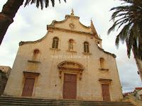Župna crkva Gospe od Blagovijesti, Milna, otok Brač slike