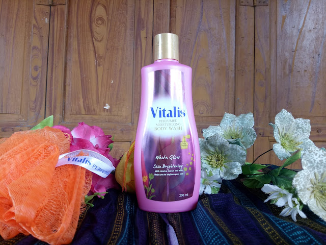 Vitalis Perfumed Moisturizing Body Wash White Glow