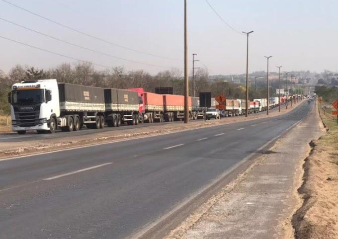 Confira os pontos que estão paralisados nas rodovias do Paraná nesta quarta-feira