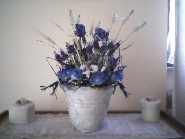 Dal niente a tutto composizioni floreali ovunque for Composizioni fiori finti per arredamento